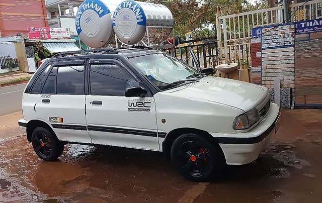Cần bán Kia Pride sản xuất năm 2000, màu trắng, xe gia đình0