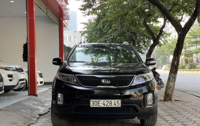 Cần bán xe Kia Sorento đăng ký lần đầu 2017, màu đen, xe gia đình, giá 845 triệu đồng0