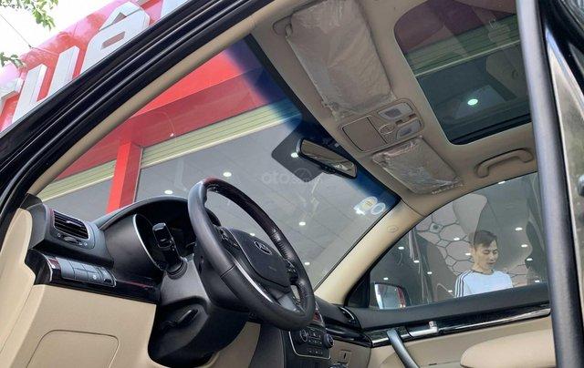 Cần bán xe Kia Sorento đăng ký lần đầu 2017, màu đen, xe gia đình, giá 845 triệu đồng3