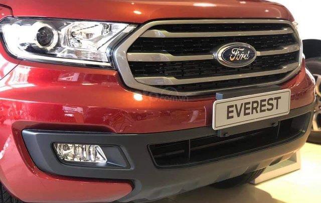 Ford Everest Ambient 4x2 AT giá tốt giao ngay đủ màu trả trước 200tr4