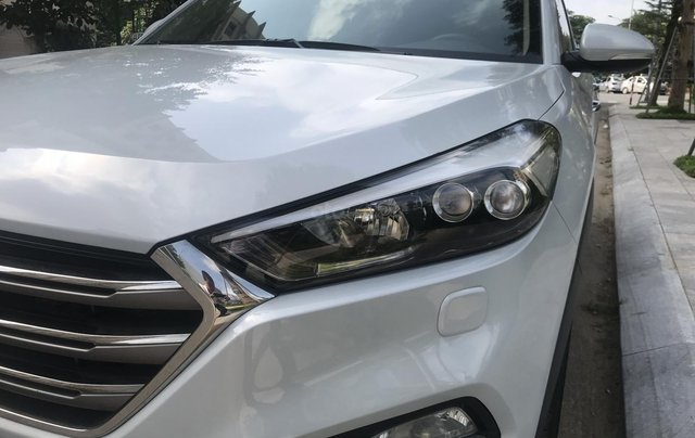 Bán Hyundai Tucson 2015 nhập khẩu bản đủ, màu trắng3