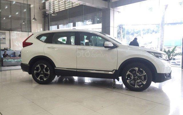 Bán Honda CR-V đủ màu giao ngay, khuyến mại tiền mặt + phụ kiện cho anh em chơi tết. LH: 0916.53.83.882