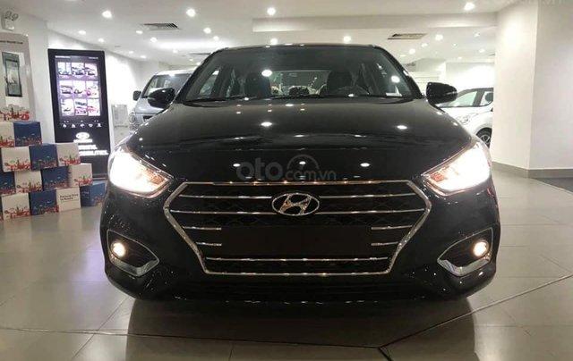Cần bán Hyundai Accent số sàn full đời 2019, màu đen1