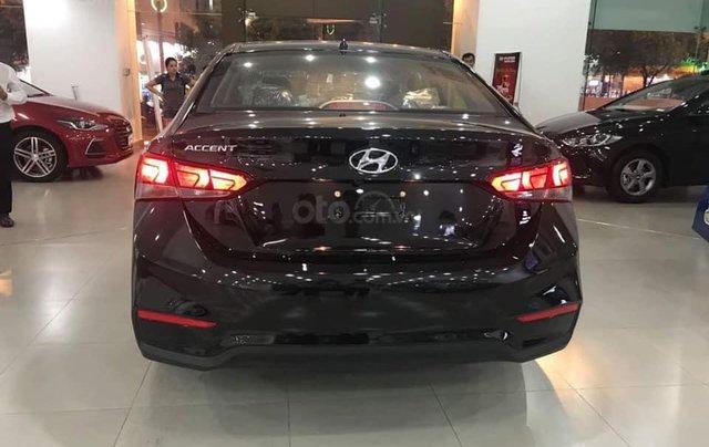 Cần bán Hyundai Accent số sàn full đời 2019, màu đen0