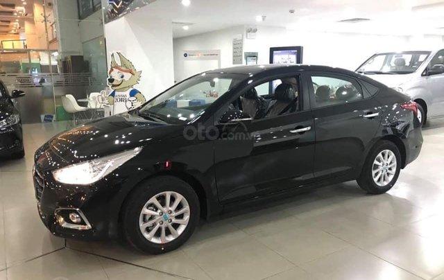 Cần bán Hyundai Accent số sàn full đời 2019, màu đen3