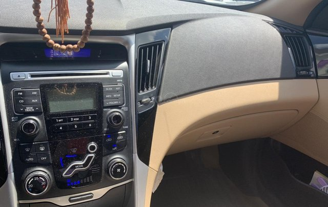 Cần bán gấp trước tết xe Sonata đời 2012, màu đỏ, nhập khẩu3