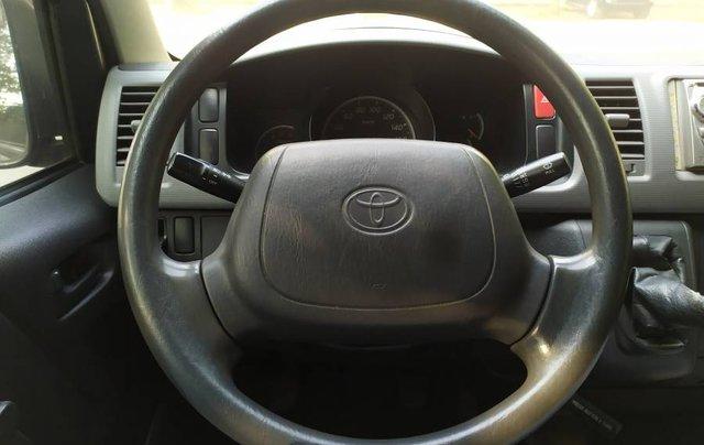 Bán ô tô Toyota Hiace 2010, màu bạc số sàn giá cạnh tranh8