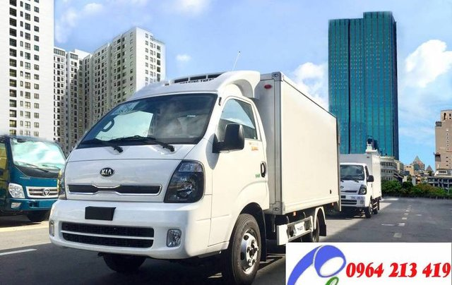 Bán Thaco Kia thùng đông lạnh sản xuất 2019, màu trắng, nhập khẩu nguyên chiếc2