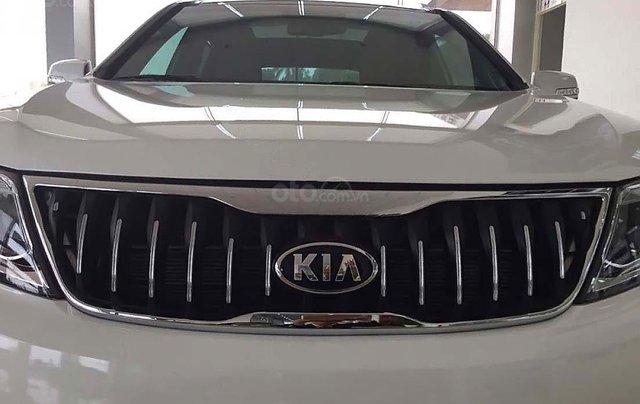Bán xe Kia Sorento 2.4 GAT Premium năm 2019, màu trắng, 799tr0