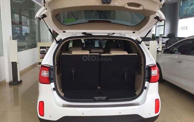 Bán xe Kia Sorento 2.4 GAT Premium năm 2019, màu trắng, 799tr2