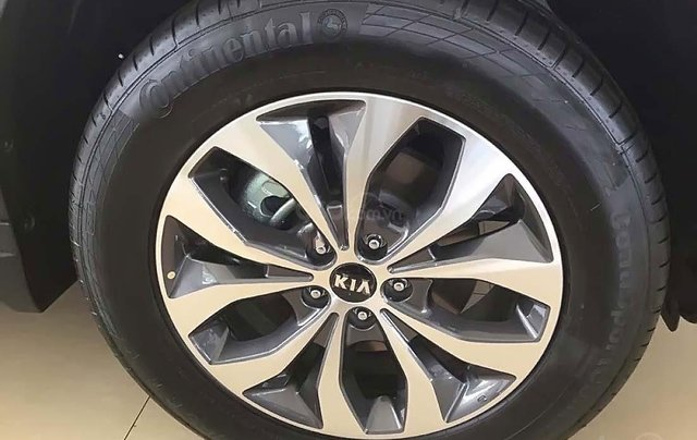 Bán xe Kia Sorento 2.4 GAT Premium năm 2019, màu trắng, 799tr1