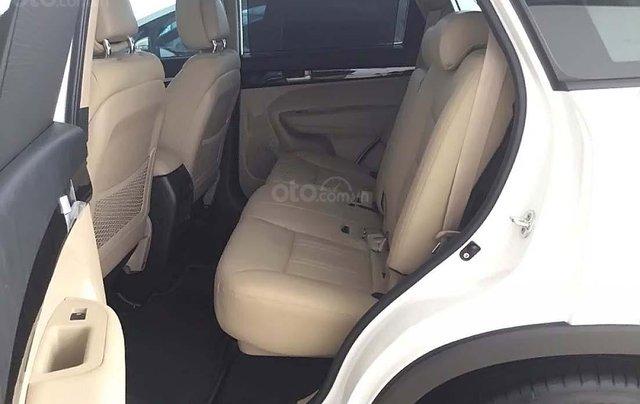 Bán xe Kia Sorento 2.4 GAT Premium năm 2019, màu trắng, 799tr4