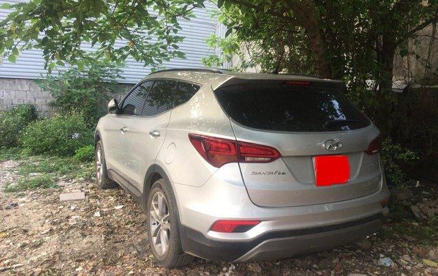 Bán xe Hyundai Santa Fe 2.4L 4WD AT 2017, màu bạc biển Hà Nội giá 950 triệu2