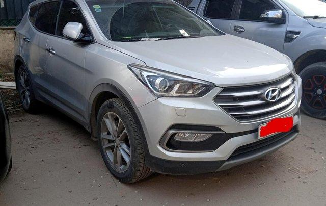 Bán xe Hyundai Santa Fe 2.4L 4WD AT 2017, màu bạc biển Hà Nội giá 950 triệu0