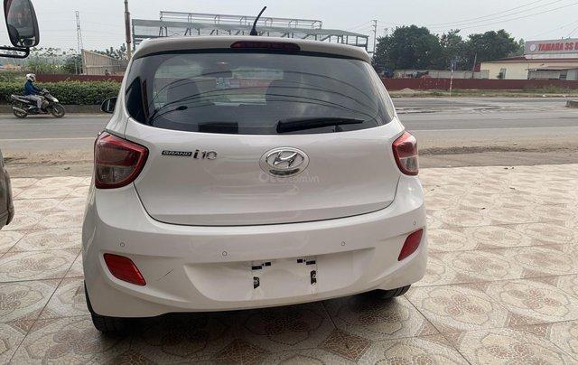 Cần bán Hyundai Grand i10 1.0 sản xuất năm 2016, màu trắng, xe nhập5