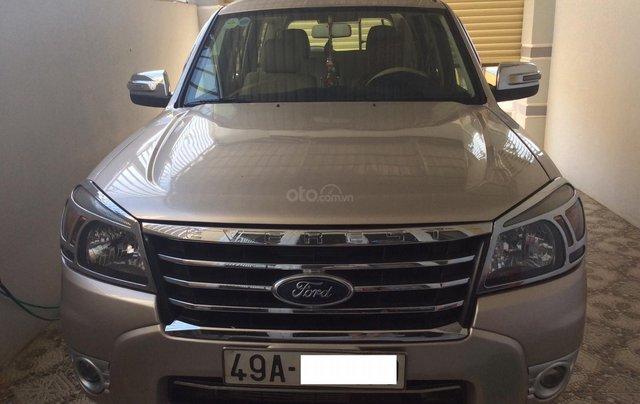 Cần bán xe Ford Everest sản xuất 2009, màu hồng phấn giá rẻ0