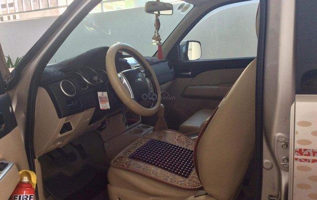 Cần bán xe Ford Everest sản xuất 2009, màu hồng phấn giá rẻ4
