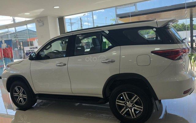 Cho đi nhanh chiếc Toyota Fortuner 2020, màu trắng, nhập khẩu nguyên chiếc 1