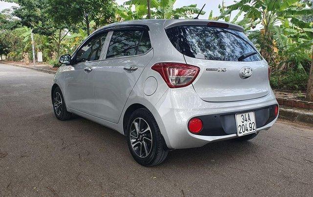 Hyundai i10 2017 màu bạc số sàn, bản đủ, xe đẹp như mới1