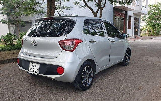 Hyundai i10 2017 màu bạc số sàn, bản đủ, xe đẹp như mới6