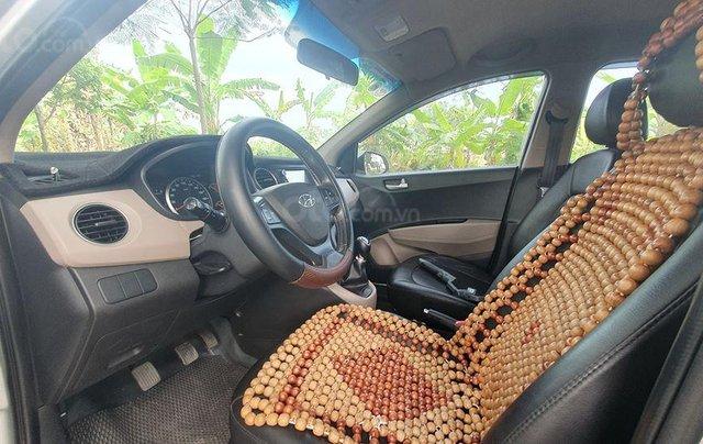 Hyundai i10 2017 màu bạc số sàn, bản đủ, xe đẹp như mới8