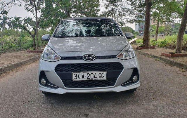 Hyundai i10 2017 màu bạc số sàn, bản đủ, xe đẹp như mới4