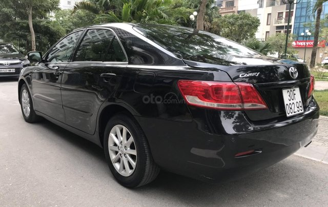Cần bán xe Toyota Camry 2.4G sản xuất năm 2010, màu đen, 566 triệu6