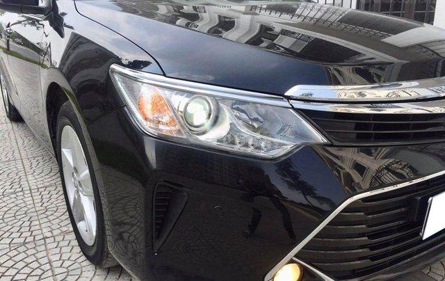 Cần tiền gấp bán Camry 2.5Q 1/2018 biển SG, xe màu đen6