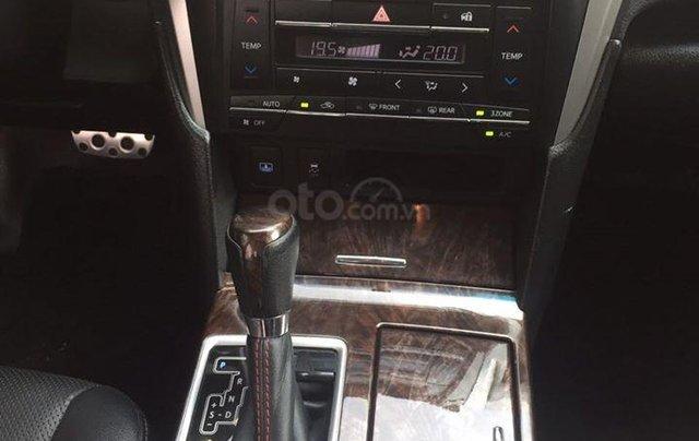 Cần tiền gấp bán Camry 2.5Q 1/2018 biển SG, xe màu đen4