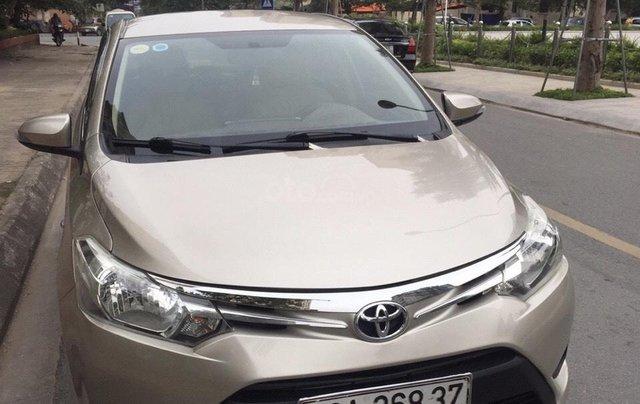 Cần bán xe Toyota Vios sản xuất năm 2014, màu bạc0