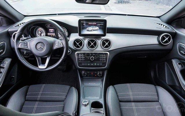 Bán Mercedes CLA200 màu trắng sản xuất 2016 nhập khẩu - Liên hệ 09768889787