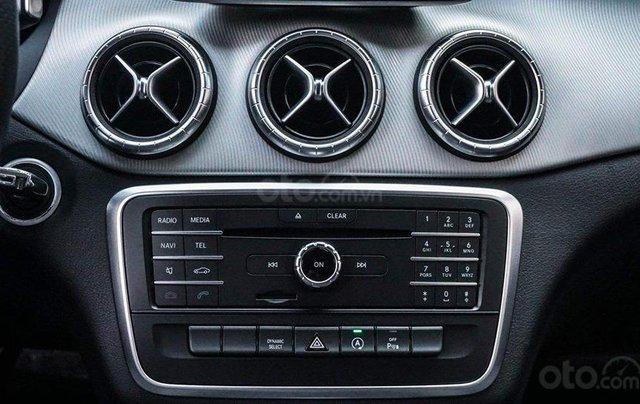 Bán Mercedes CLA200 màu trắng sản xuất 2016 nhập khẩu - Liên hệ 097688897810