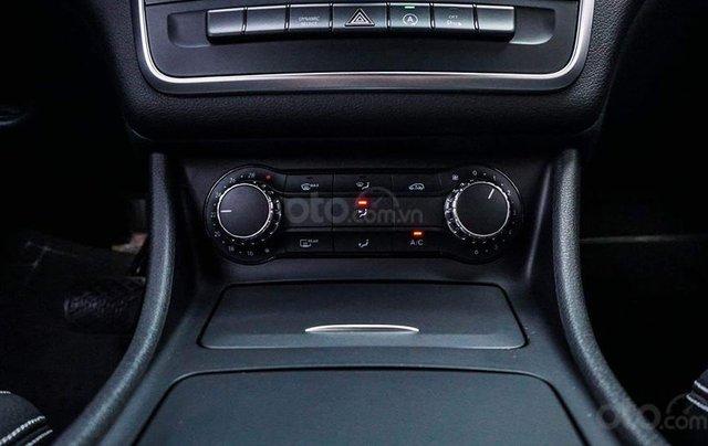 Bán Mercedes CLA200 màu trắng sản xuất 2016 nhập khẩu - Liên hệ 097688897811