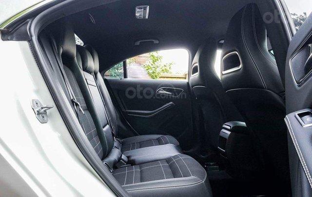 Bán Mercedes CLA200 màu trắng sản xuất 2016 nhập khẩu - Liên hệ 097688897812