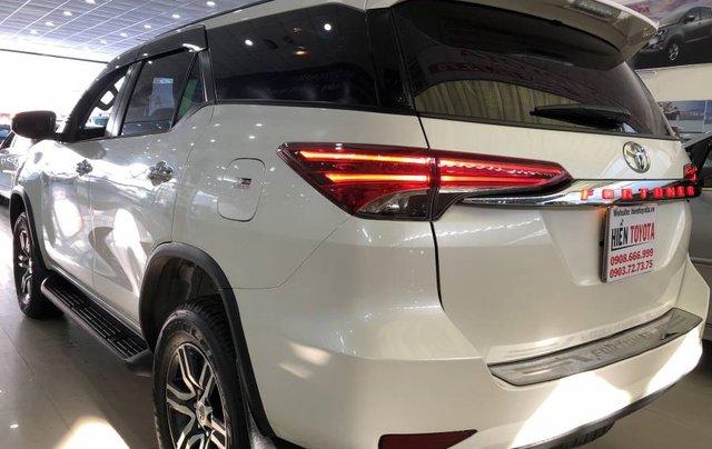 Cần bán Toyota Fortuner 2.7V năm 2019, màu trắng, xe nhập 4