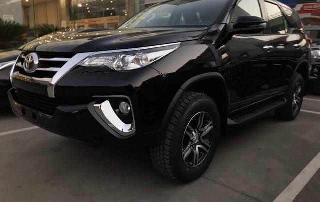 Cần bán xe Toyota Fortuner 2.4MT năm sản xuất 2019, màu đen, tặng phụ kiện chính hãng10