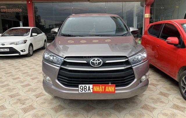 Cần bán Toyota Innova 2.0 năm sản xuất 2018, màu xám (ghi)0