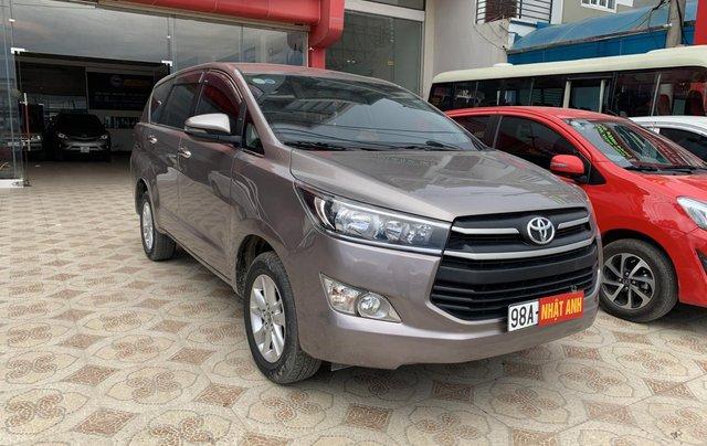 Cần bán Toyota Innova 2.0 năm sản xuất 2018, màu xám (ghi)2