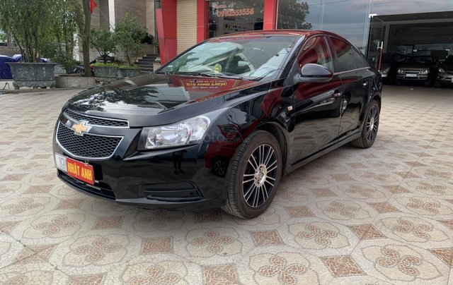 Cần bán xe Chevrolet Cruze 1.6 đời 2010, màu đen, nhập khẩu3