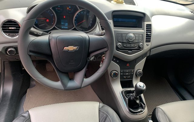Cần bán xe Chevrolet Cruze 1.6 đời 2010, màu đen, nhập khẩu4