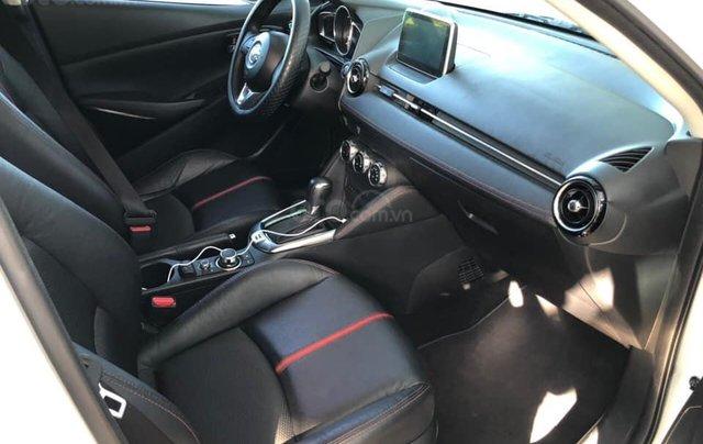 Cần bán xe Mazda 2 năm sản xuất 2017, màu trắng, đi 11.500km, giá chỉ 478tr3