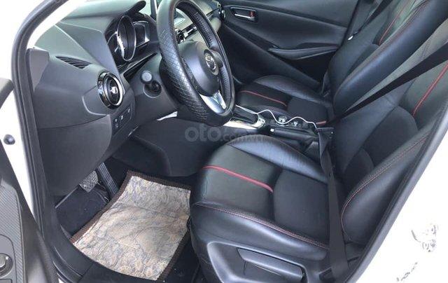 Cần bán xe Mazda 2 năm sản xuất 2017, màu trắng, đi 11.500km, giá chỉ 478tr8