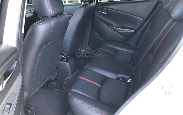 Cần bán xe Mazda 2 năm sản xuất 2017, màu trắng, đi 11.500km, giá chỉ 478tr10