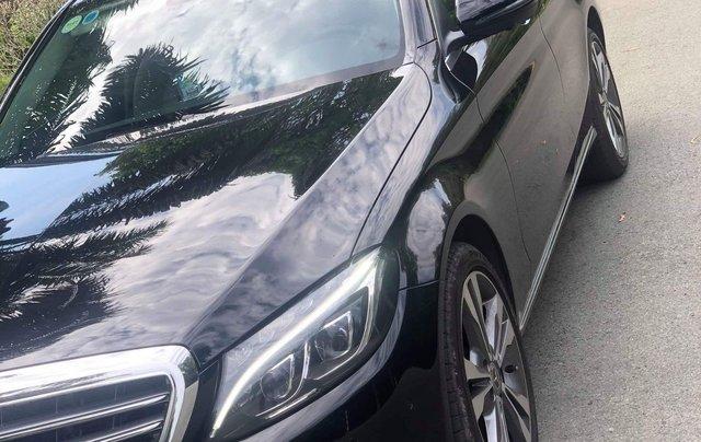 Cần bán gấp Mercedes-Benz C class đăng ký 2018, màu đen chính chủ giá 1 tỷ 550 triệu đồng5