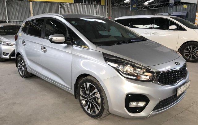 Bán Kia Rondo GAT 2.0AT màu bạc số tự động sản xuất 2017 đi 37000km3