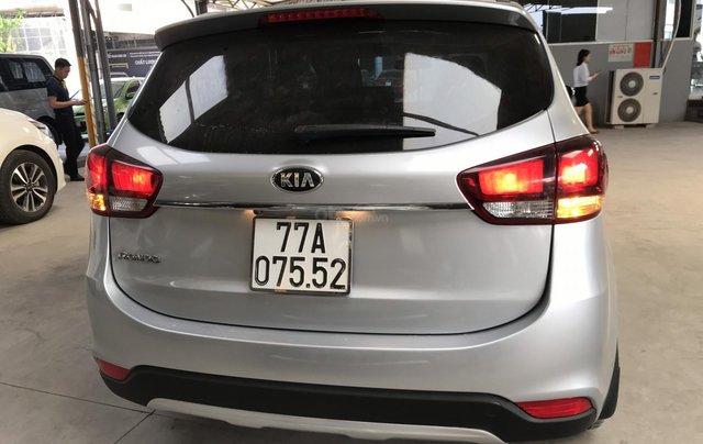 Bán Kia Rondo GAT 2.0AT màu bạc số tự động sản xuất 2017 đi 37000km5
