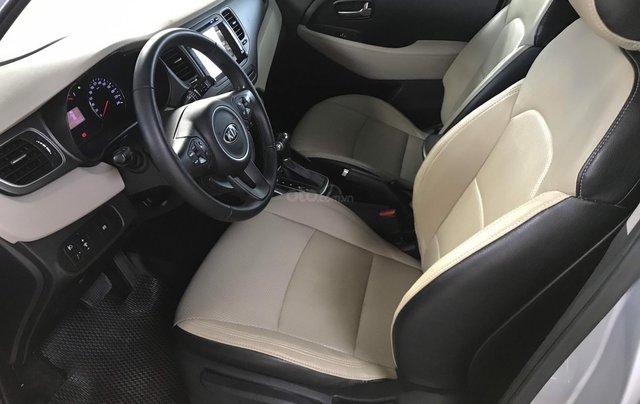 Bán Kia Rondo GAT 2.0AT màu bạc số tự động sản xuất 2017 đi 37000km7