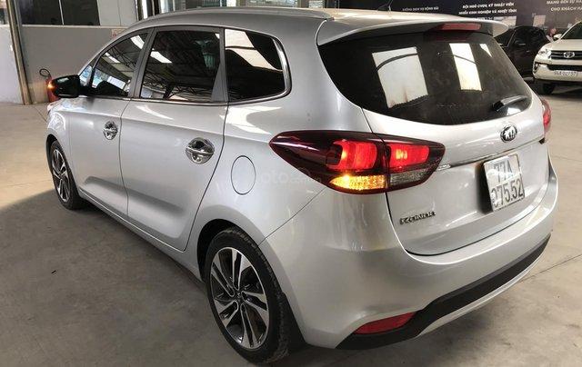 Bán Kia Rondo GAT 2.0AT màu bạc số tự động sản xuất 2017 đi 37000km8