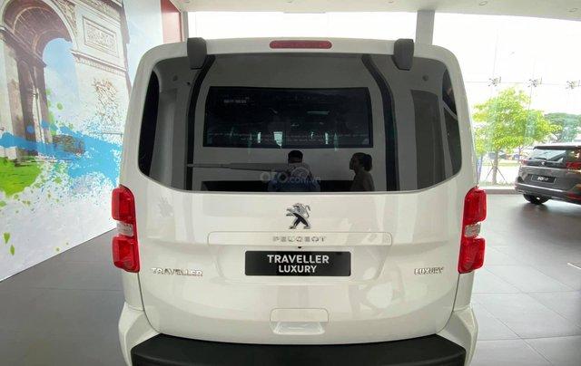 Traveller Luxury - MPV gia đình - Ưu đãi hấp dẫn Tết - Liên hệ 09389018695