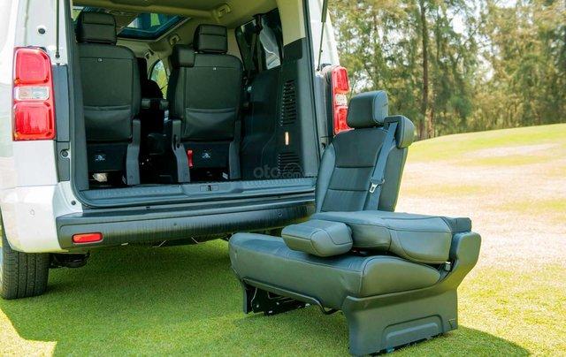 Traveller Luxury - MPV gia đình - Ưu đãi hấp dẫn Tết - Liên hệ 093890186911